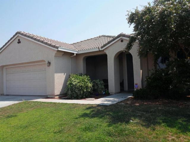 5228 E Kaviland Ave, Fresno, CA 93725