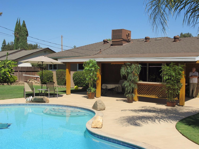 1011 W Ashcroft Avenue, Fresno, CA 93705