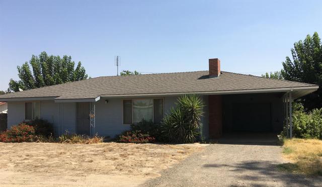 580 10th Ave, Kingsburg, CA 93631