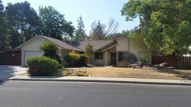 668 W Polson Ave, Clovis, CA 93612