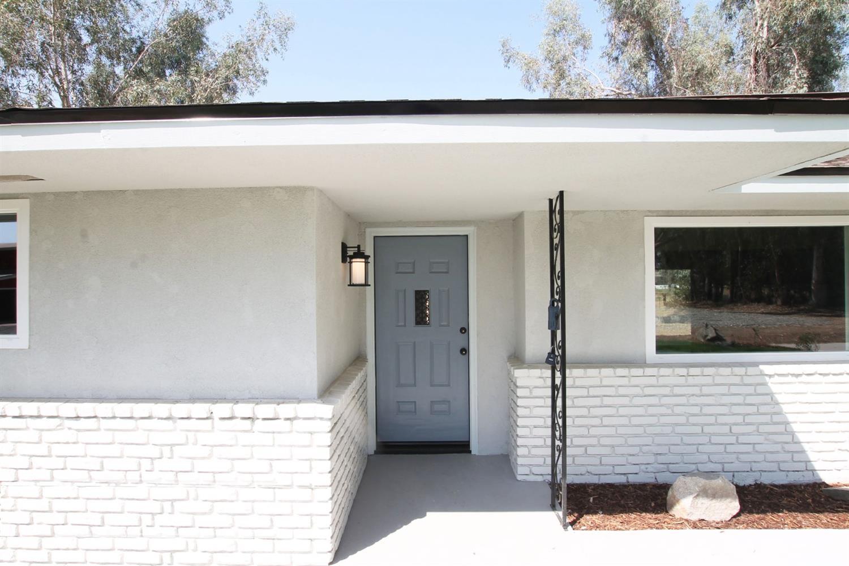 11470 E Belmont Avenue, Sanger, CA 93657