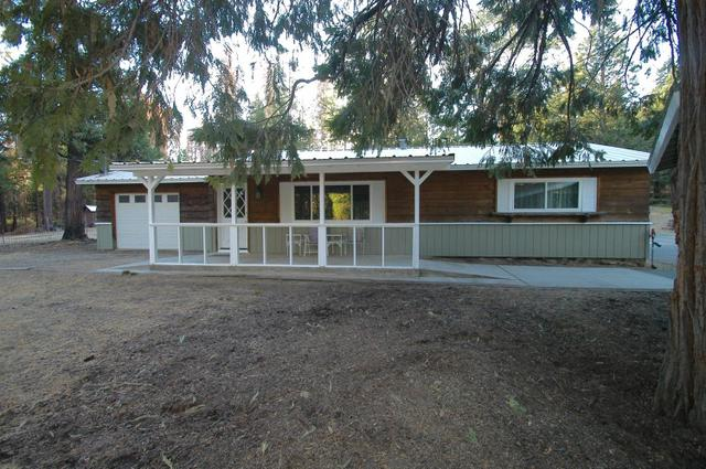 42379 Pinecone Ln, Auberry, CA 93602
