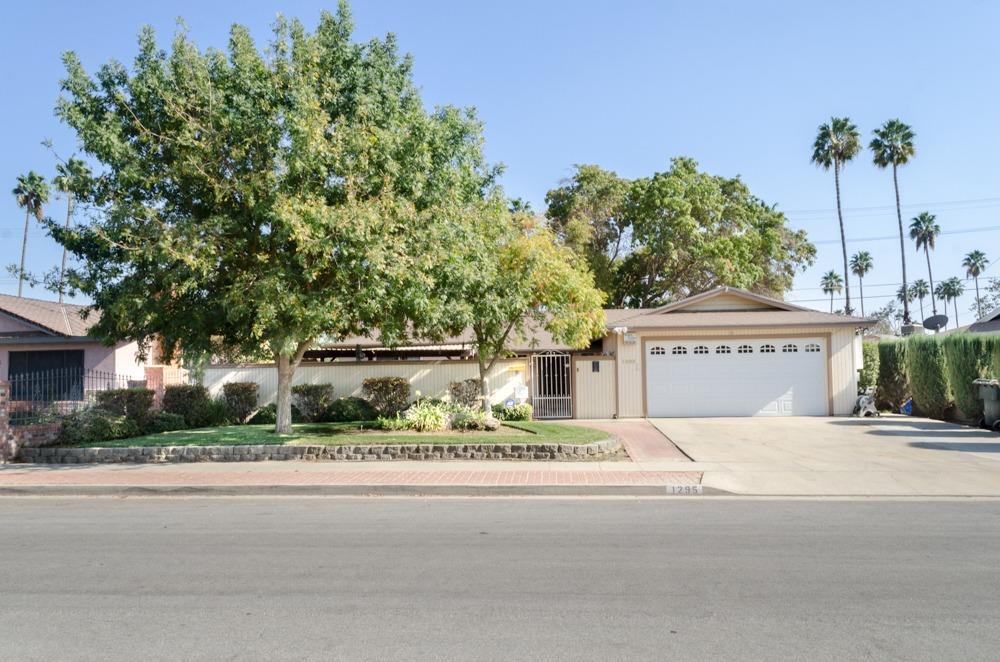 1295 Lasson Drive, Hanford, CA 93230