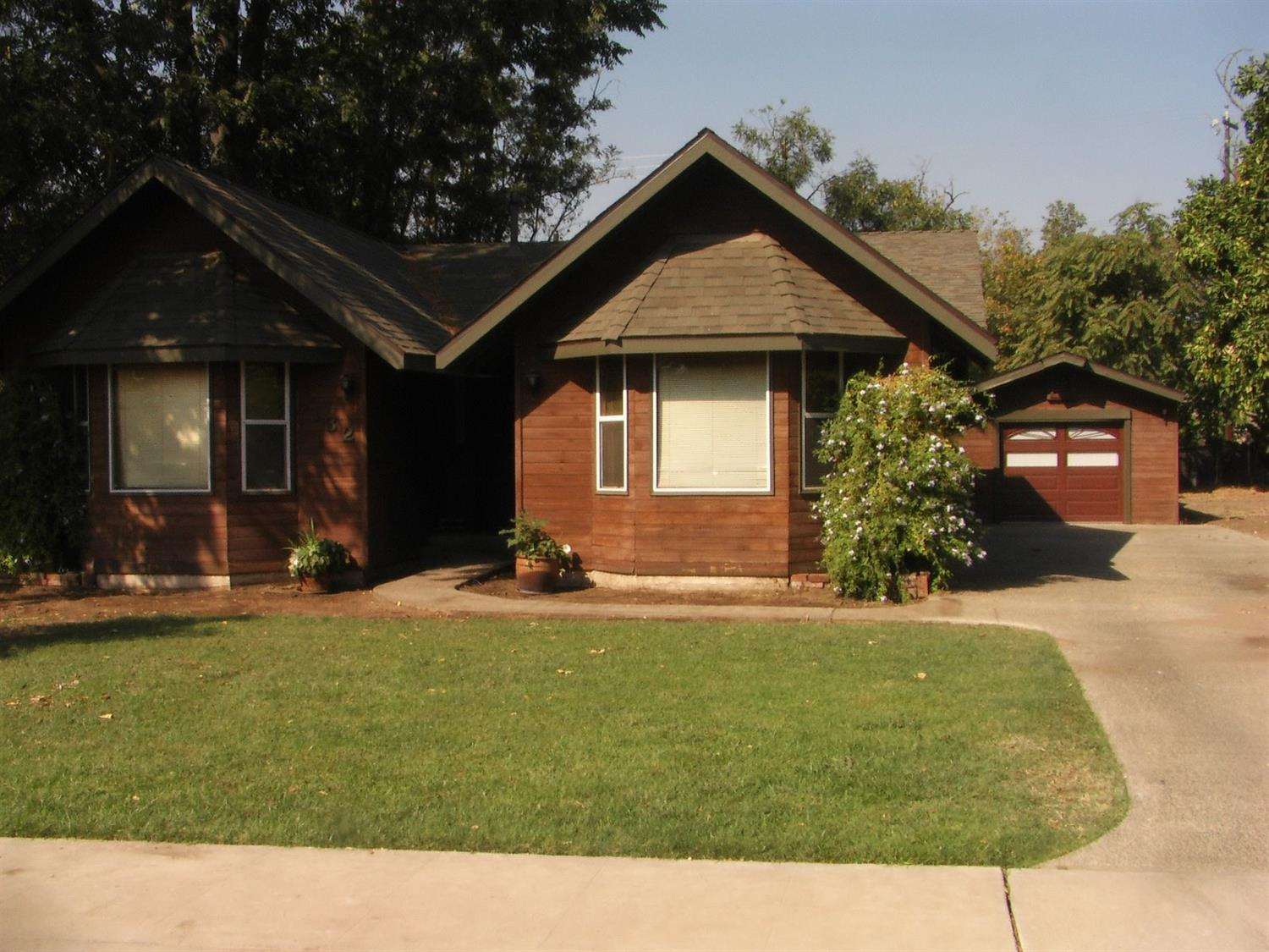 132 Woodworth Avenue, Clovis, CA 93612