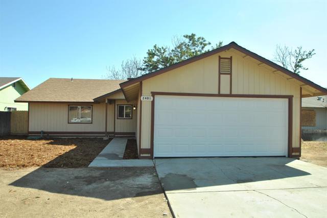 2401 W Dennett Ave, Fresno, CA 93728