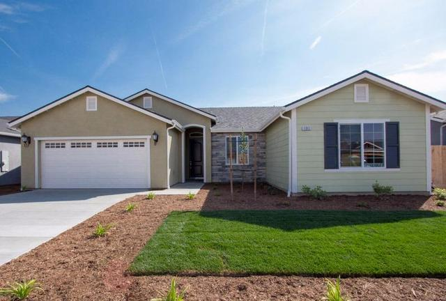 191 W Lilac Ave, Reedley, CA 93654