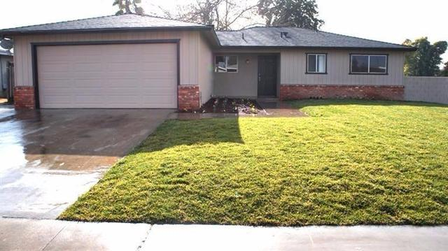 1604 Griffith Ave, Clovis, CA 93611