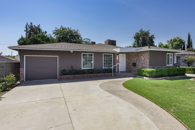 146 E Fountain Way, Fresno, CA 93704