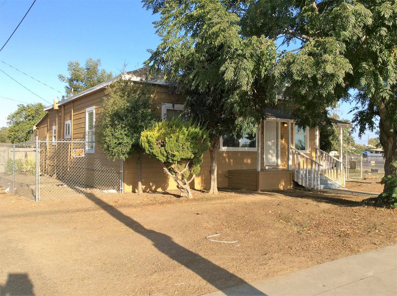 822 S Trinity Street, Fresno, CA 93706