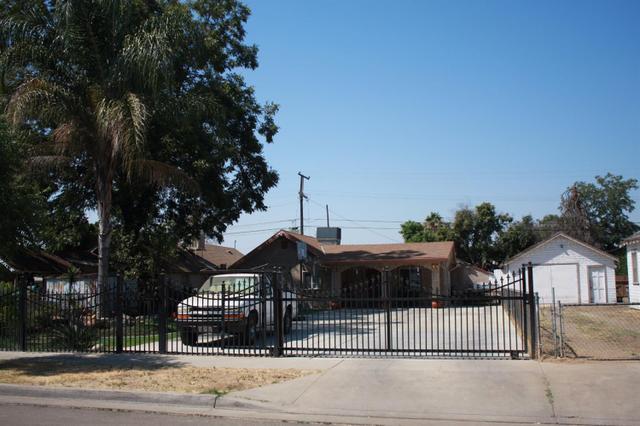 254 S Dearing Ave, Fresno, CA 93702