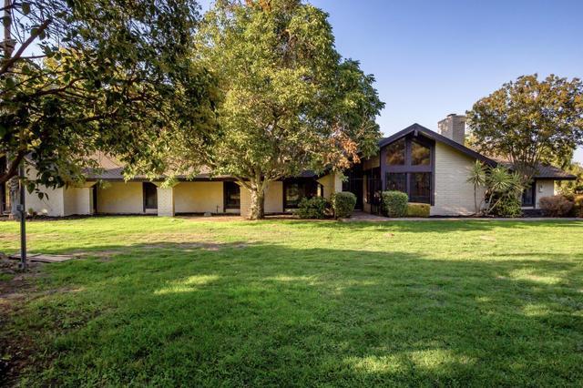 3222 W Kearney Blvd, Fresno, CA 93706