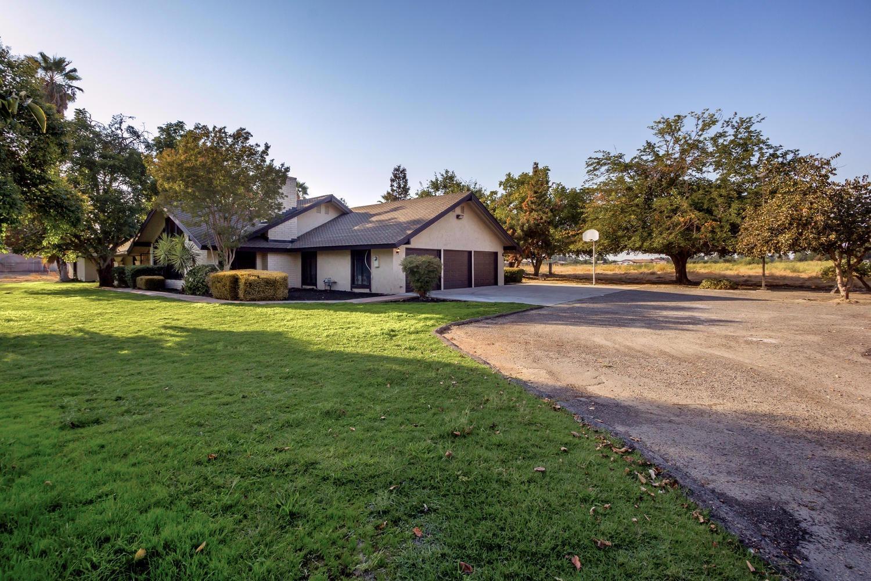 3222 W Kearney Boulevard, Fresno, CA 93706