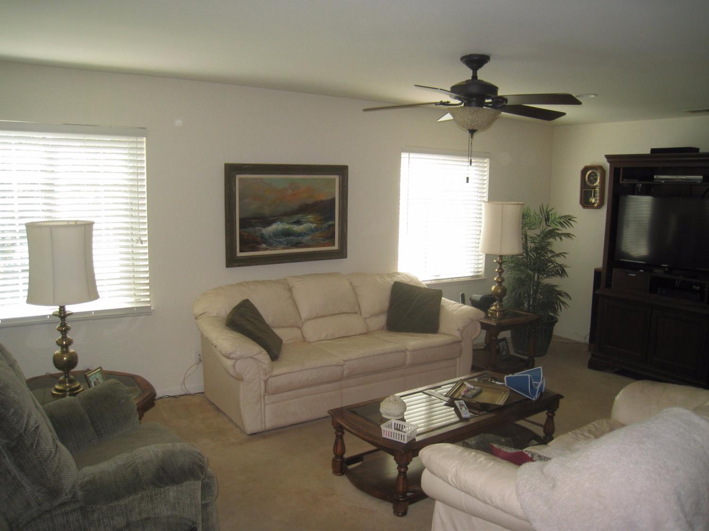 2123 N Forestiere Avenue, Fresno, CA 93722