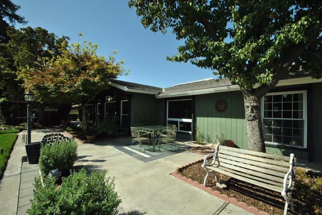 9077 N Fowler, Clovis, CA 93619