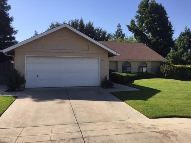 1424 Locust Ave, Clovis, CA 93611