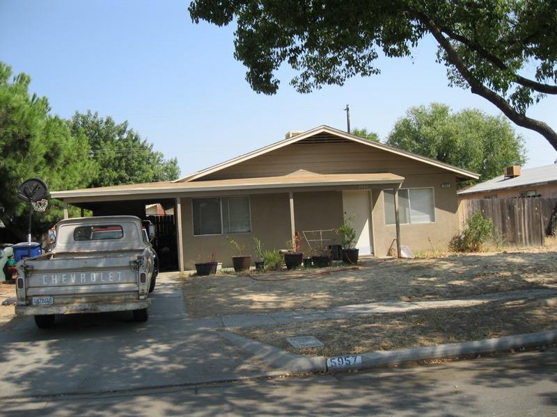 5957 E Garland Avenue, Fresno, CA 93727