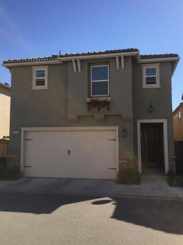 7018 N Harmony Dr, Fresno, CA 93711