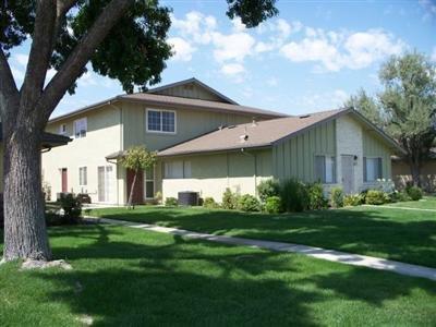 455 W Alamos Ave #3, Clovis, CA 93612