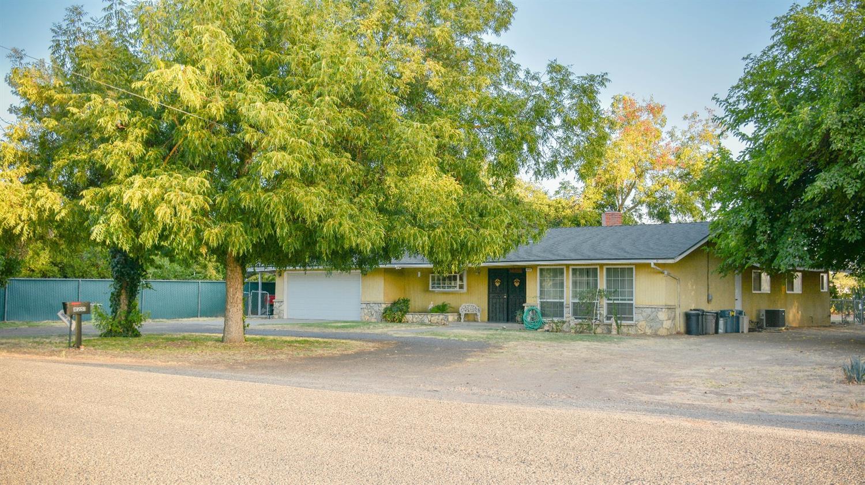 8251 E Olive Avenue, Fresno, CA 93737