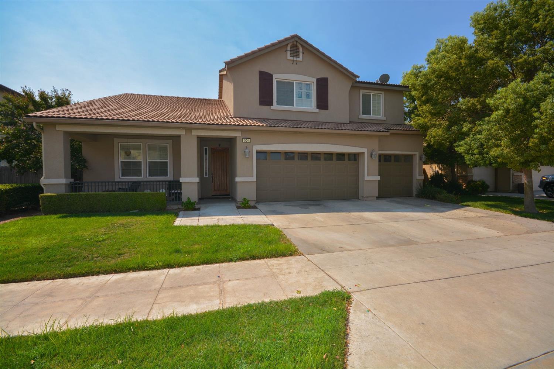 504 Serena Avenue, Clovis, CA 93619