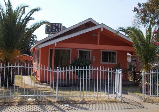3246 E Mckenzie Ave, Fresno, CA 93702