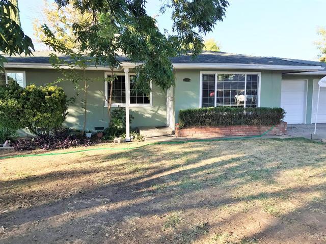5579 E Edith Dr, Fresno, CA 93727