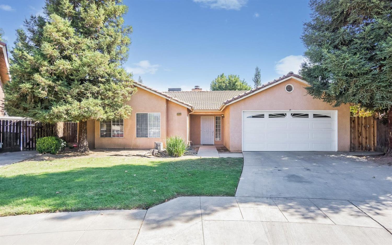 6390 N Brix Ave, Fresno, CA 93722