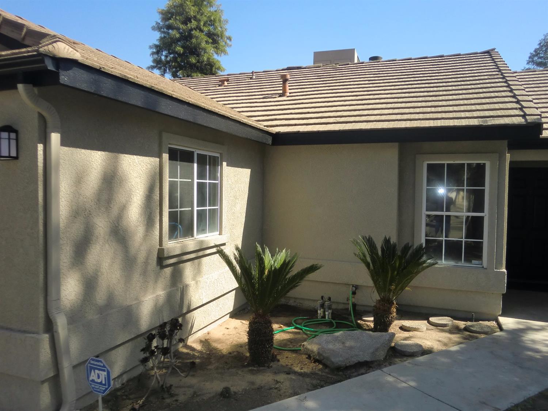 2422 N Hanover Avenue, Fresno, CA 93722