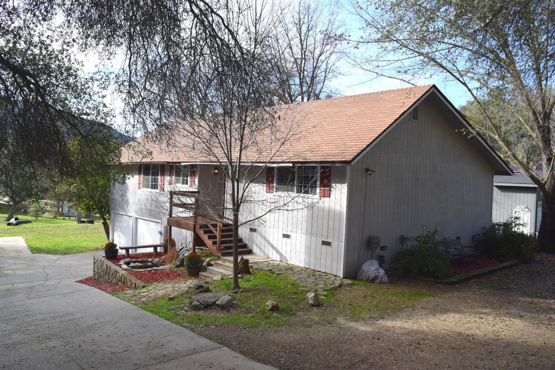 40656 Goldside Drive, Oakhurst, CA 93644
