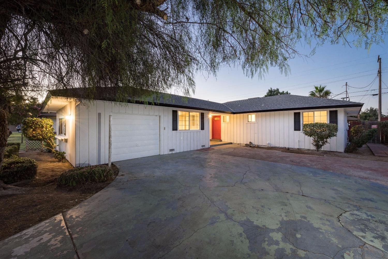 1723 W Garland Avenue, Fresno, CA 93705
