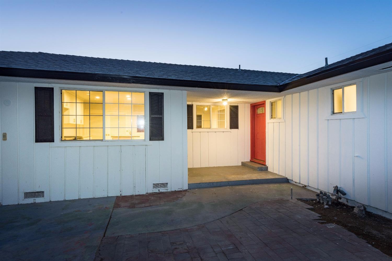 1723 W Garland Ave, Fresno, CA 93705
