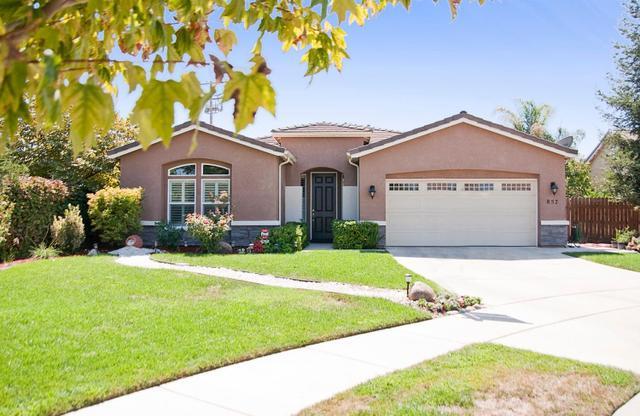 857 E La Salle Ct, Visalia, CA 93292