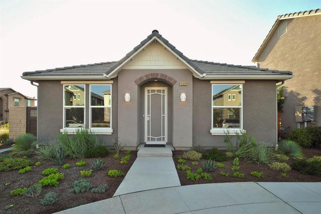 11329 N Garden Sage Ave, Fresno, CA 93730