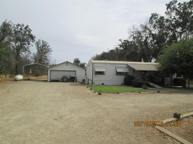 12 N Smith Ave, Sanger, CA 93657