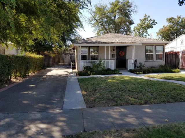 1218 E Garland Ave, Fresno, CA 93704