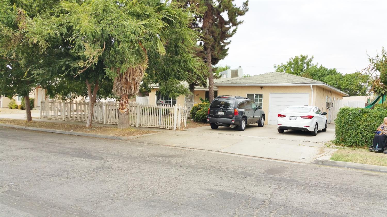 4107 E Fountain Way, Fresno, CA 93726