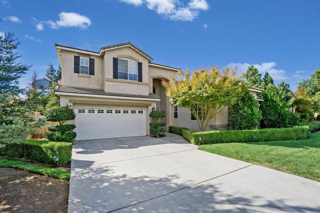 2368 Powers Ave, Clovis, CA 93619