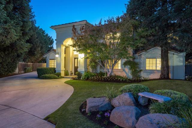 9863 N Cascade Dr, Fresno, CA 93730