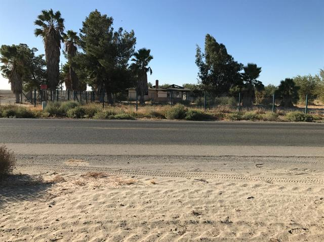 8015 W Manning Ave, Fresno, CA 93706