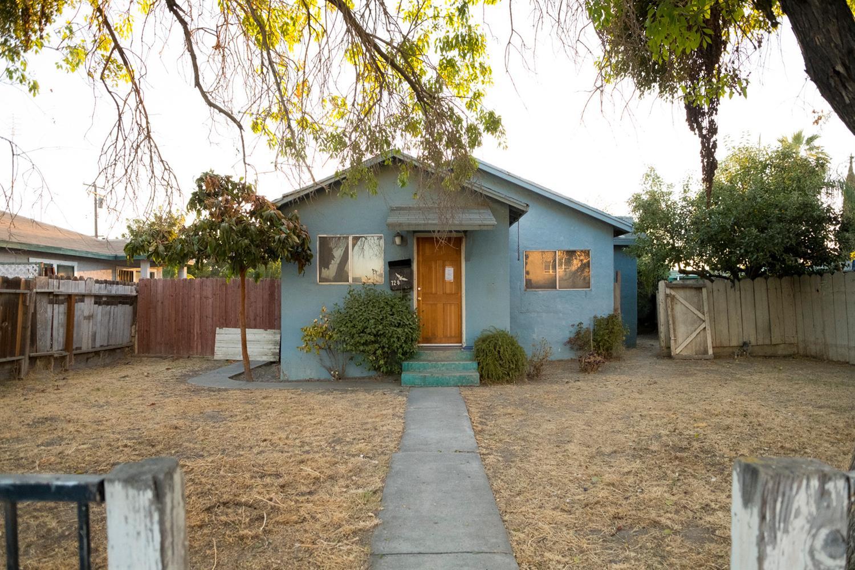 724 S 6th Street, Kerman, CA 93630