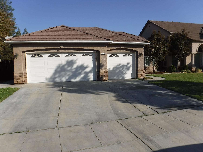 5325 E Woodward Avenue, Fresno, CA 93727