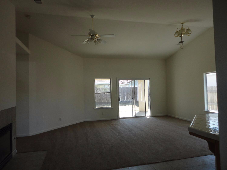 5238 N Contessa Avenue, Fresno, CA 93723