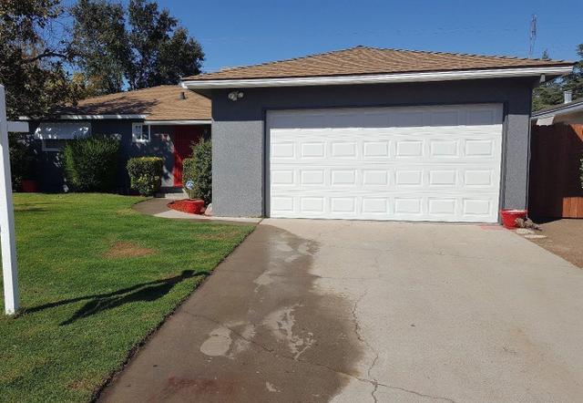 417 W Keats Ave, Clovis, CA 93612