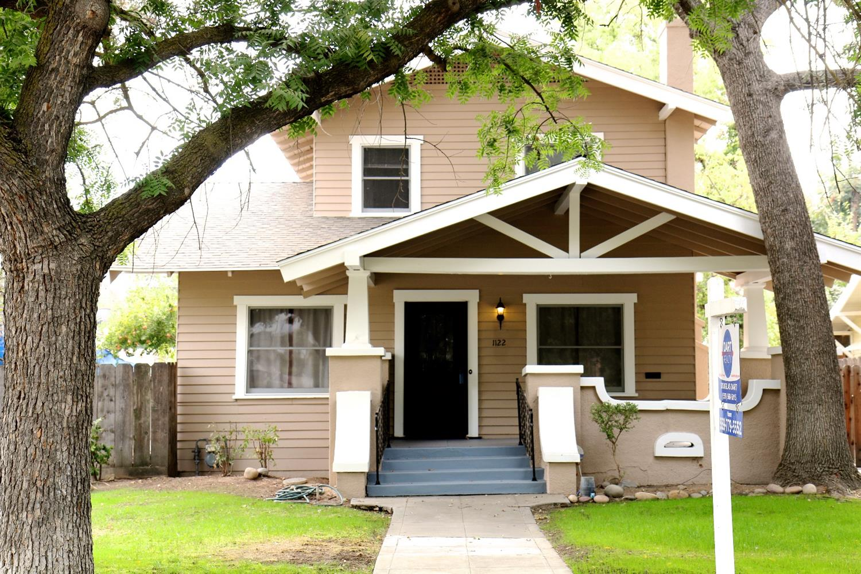 1122 E Bremer Avenue, Fresno, CA 93728