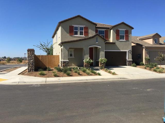 3334 Amanecer Ave, Clovis, CA 93619