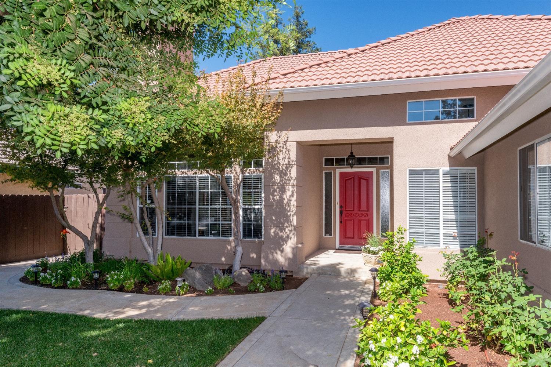 2541 Wrenwood Avenue, Clovis, CA 93611