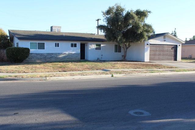 542 E Hopkins Ave, Fresno, CA 93706