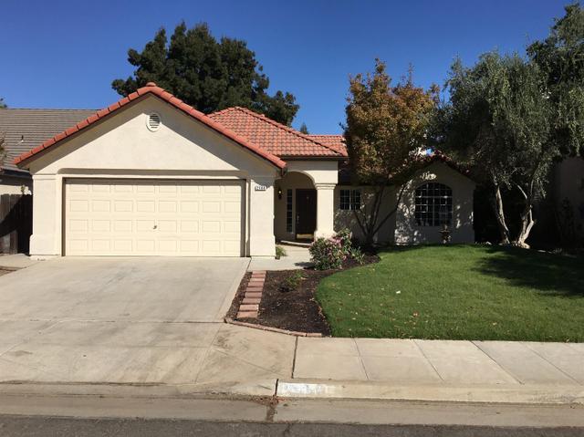 2146 E Ryan Ave, Fresno, CA 93720
