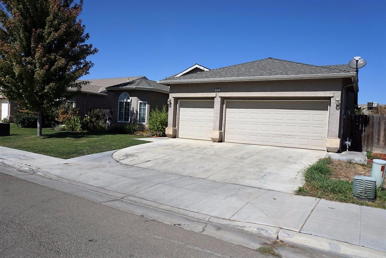 5888 W Pico Avenue, Fresno, CA 93722