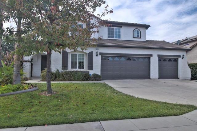 2690 Holland Ave, Clovis, CA 93611